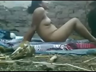 Indian mom outdoor sex