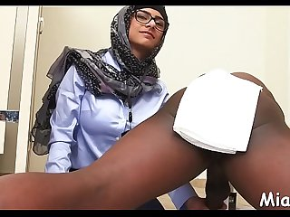 Cock-sucking by a busty arab hottie